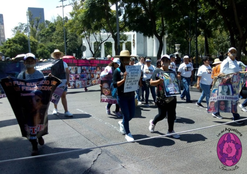 Así fue la marcha en silencio por las mujeres víctimas de feminicidio en México. Exigimos justicia para los casos y que no haya ni una desaparecida ni asesinada más. Se llevó a cabo en la CDMX, el domingo 8 de septiembre.