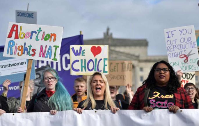 Irlanda del Norte despenaliza el aborto y legaliza matrimonio igualitario / Foto: Twitter